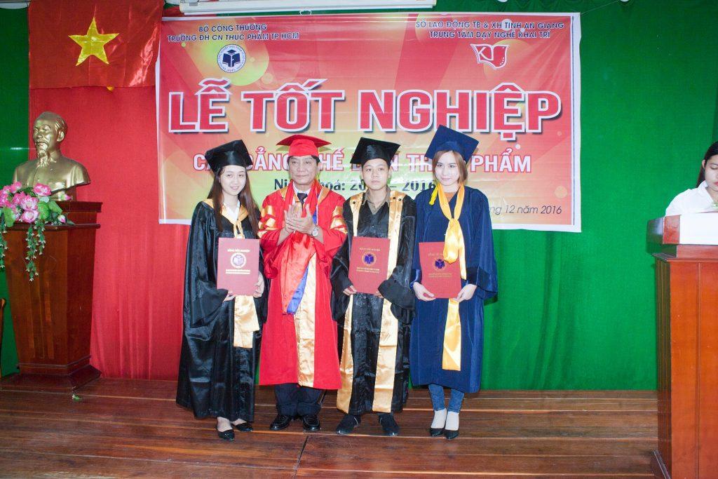 tot-nghiep-che-bien-thuc-pham-10