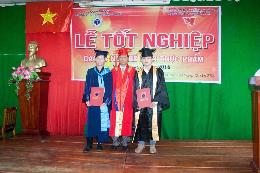 tot-nghiep-che-bien-thuc-pham-11